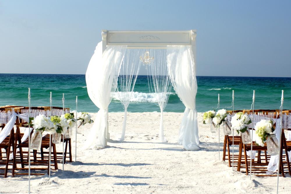 Beautiful beach altar