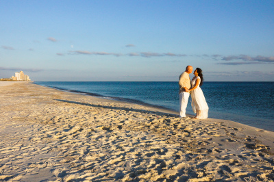 Perdido Key Beach Wedding, Look at this Crowded Beach!