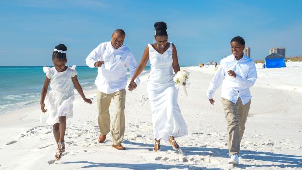 beach wedding in Pensacola