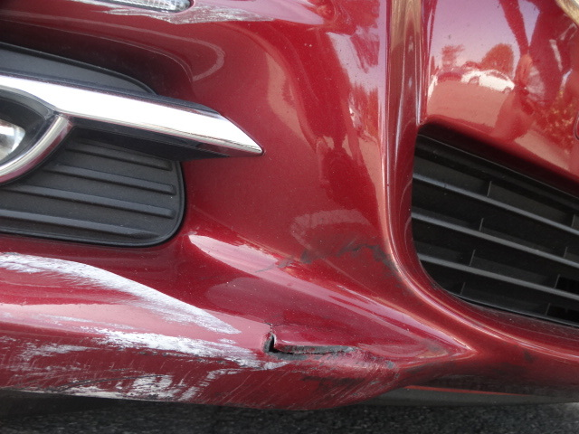 ALT=Mercedes bumper repair, Plastic Bumper repair
