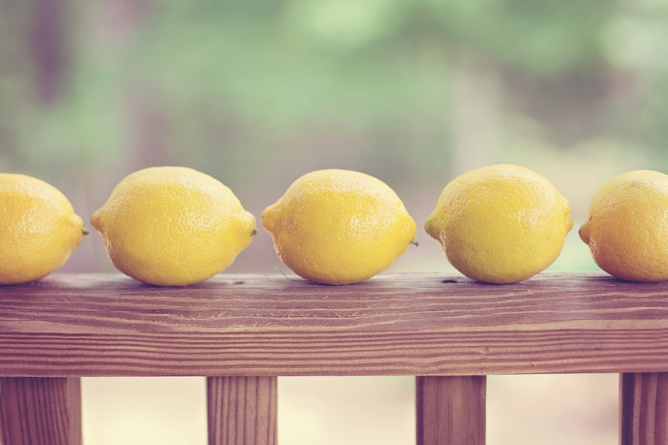 When Life Gives You Lemons: Positive Expectancies When You're in Pain