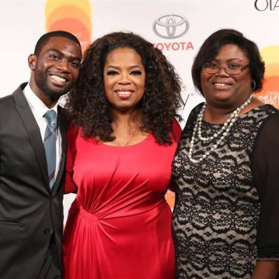 Introducing my mom to Ms. Oprah Winfrey