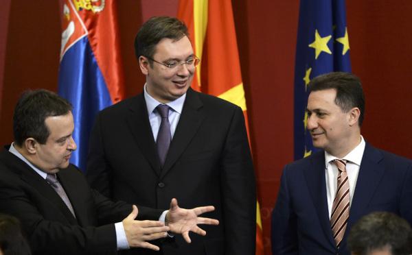 Πίγκ-πογκ το θέμα της ονομασίας ανάμεσα σε Σκόπια και Βελιγράδι