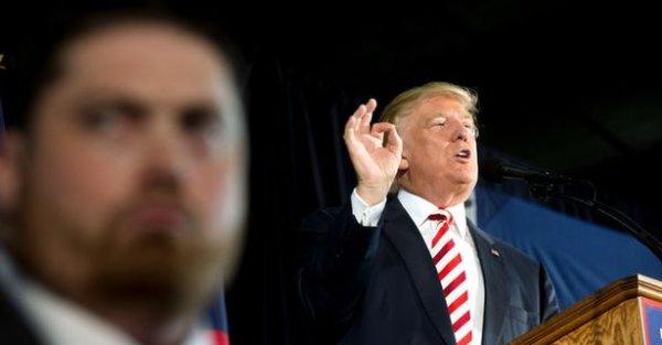 Ο Ντ. Τραμπ αλλάζει άμεσα όλους τους μη διπλωμάτες πρέσβεις
