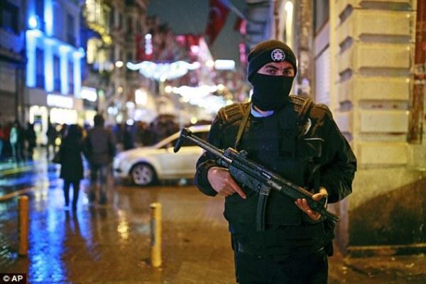 H Τουρκία πληρώνει για τον Ερντογάν την πολιτική του στη Συρία