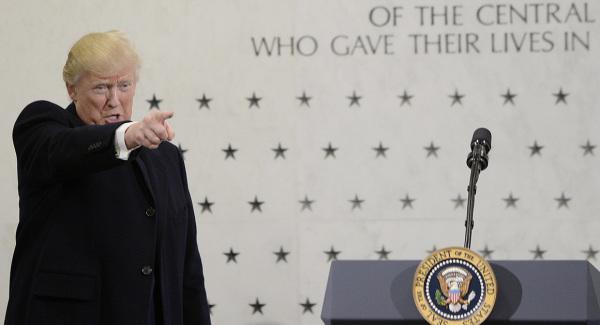 Ο Ντ. Τράμπ πάει στη CIA  και...επιτίθεται στον Τύπο!