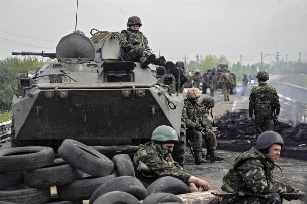 Νέες μάχες στην Ουκρανία ενώ αμφισβητούνται οι κυρώσεις στη Γερμανία