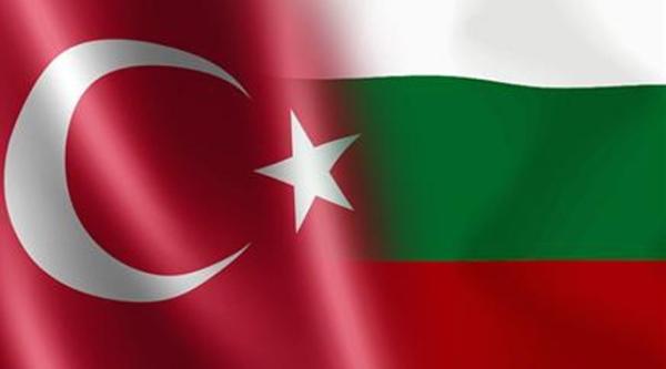 """Τούρκικες """"συστάσεις"""" στη Βουλγρία για το δημοψήφισμα Ερντογάν"""