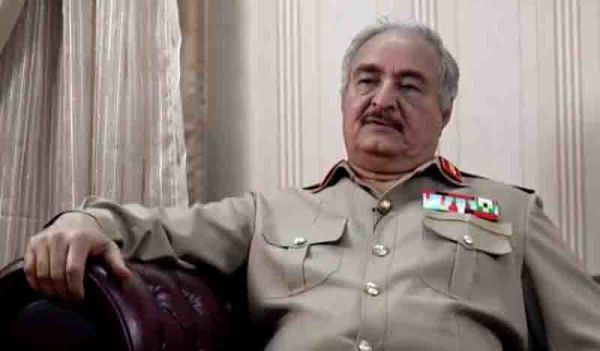Λιβύη συνεχίζονται οι μάχες για τον έλεγχο των πετρελαίων και των επενδύσεων του Καντάφι