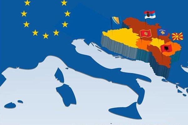 Η ΕΕ απέναντι στην επικίνδυνη  θολούρα των Δυτικών Βαλκανίων