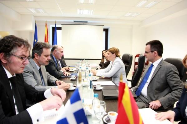 Κενού περιεχομένου πολιτικές διαβουλεύσεις με πΓΔΜ- Το Μαυροβούνι στο ΝΑΤΟ
