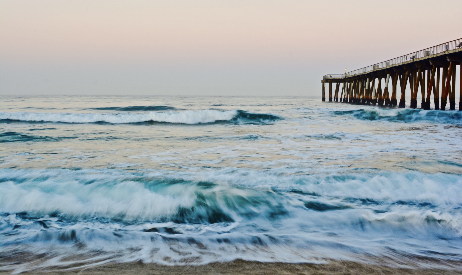 Hermosa Beach Pier at dawn