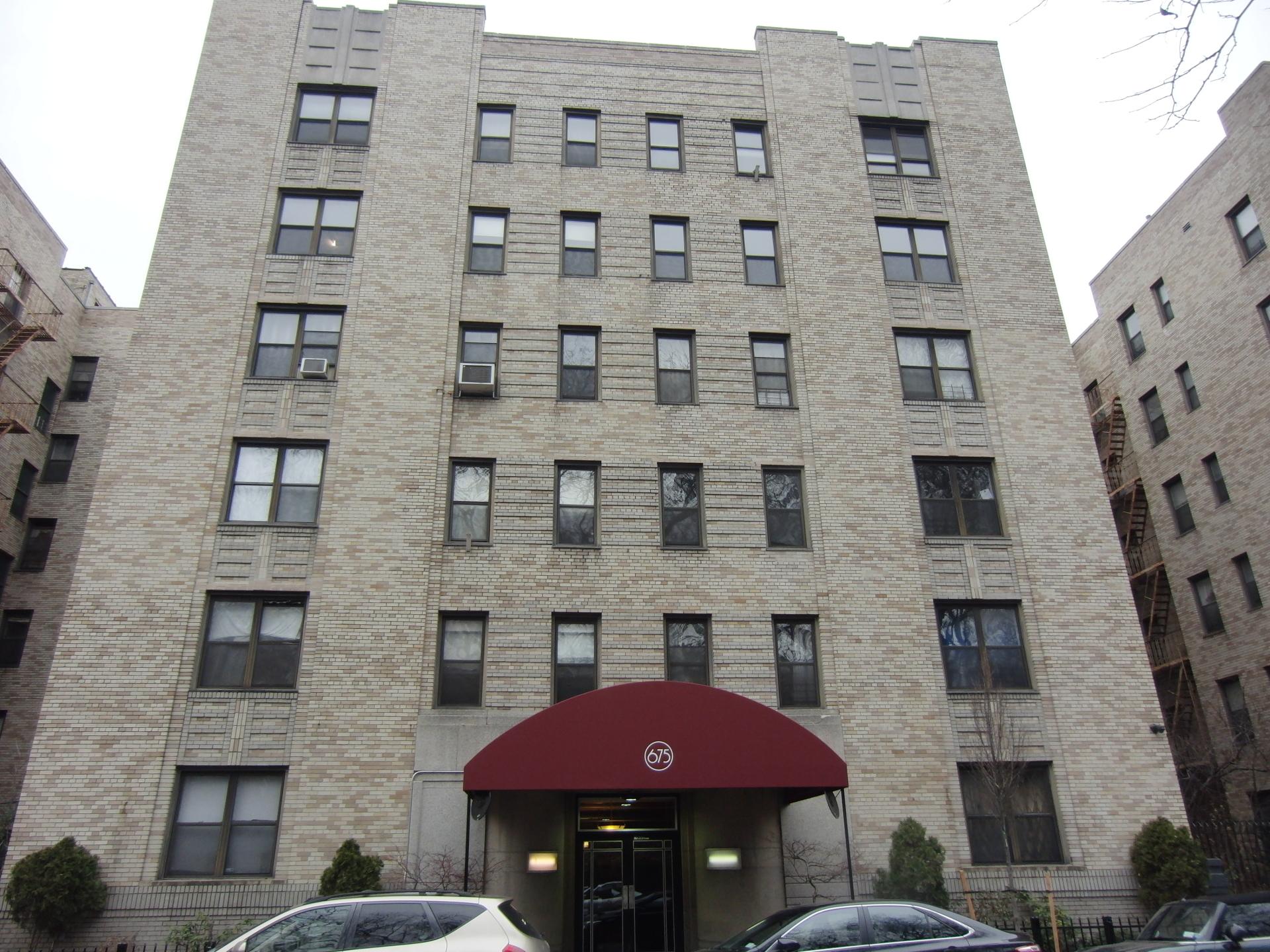 675 Walton Avenue