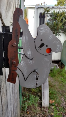Koala side swinging tree mount $65