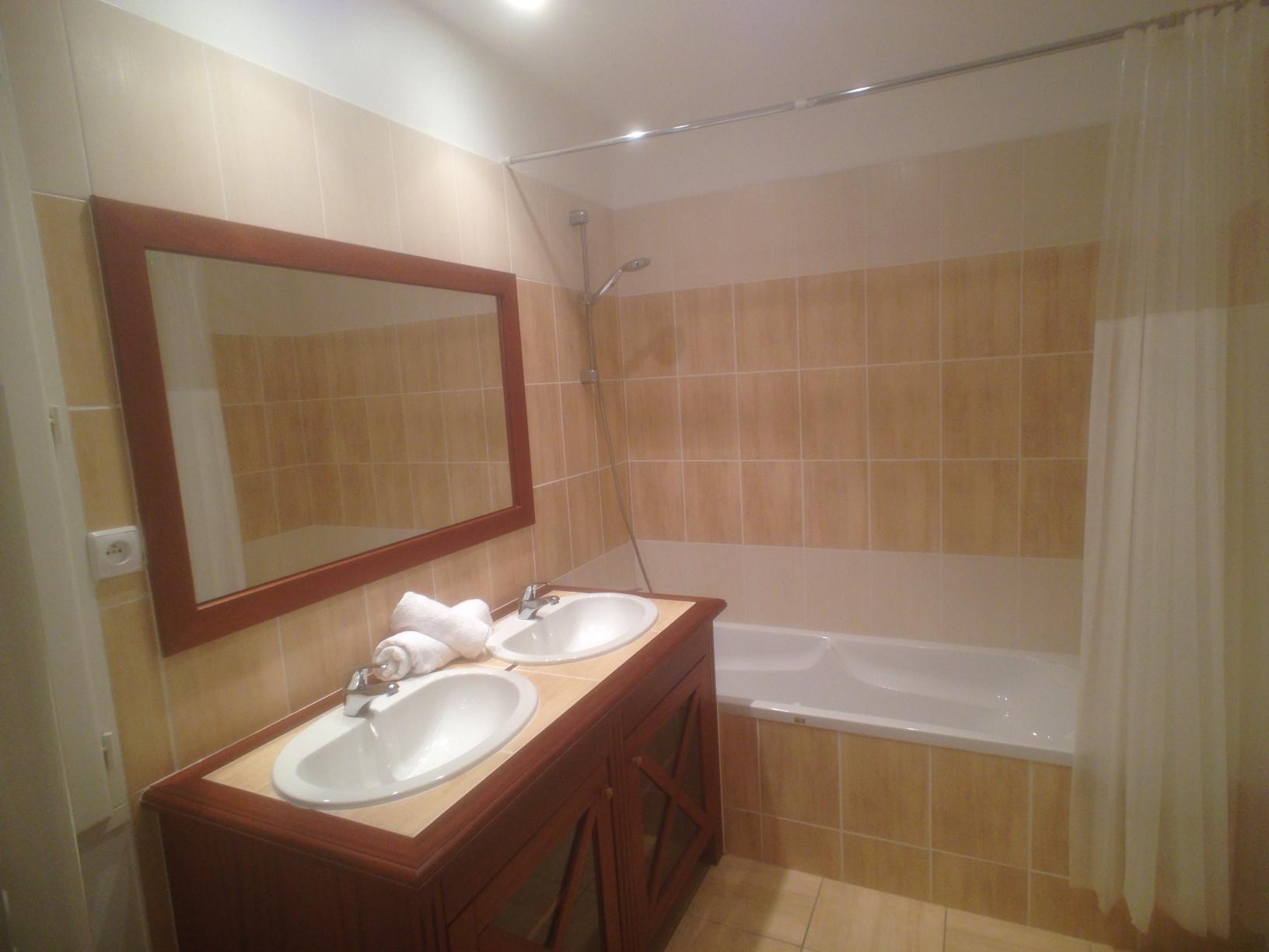 villa alba bathroom