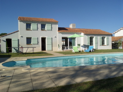 villa emeraude, vendee villa, vendee gites, private villa with heated pool