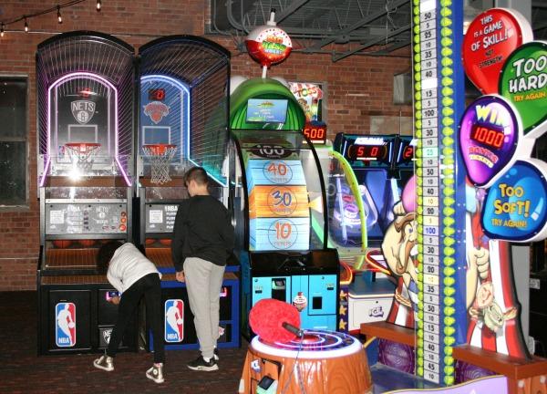 Spins Hudson Arcade