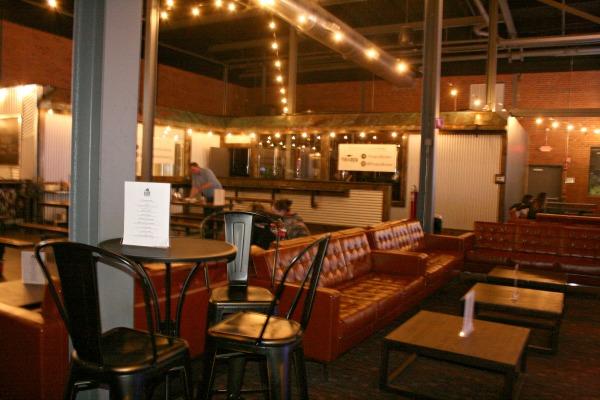 Spins Hudson Lounge