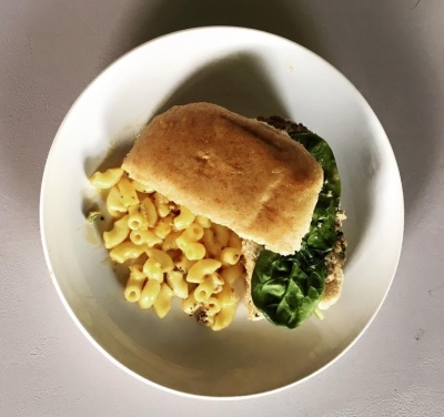 Turkey Burger with Macaroni and Cheese
