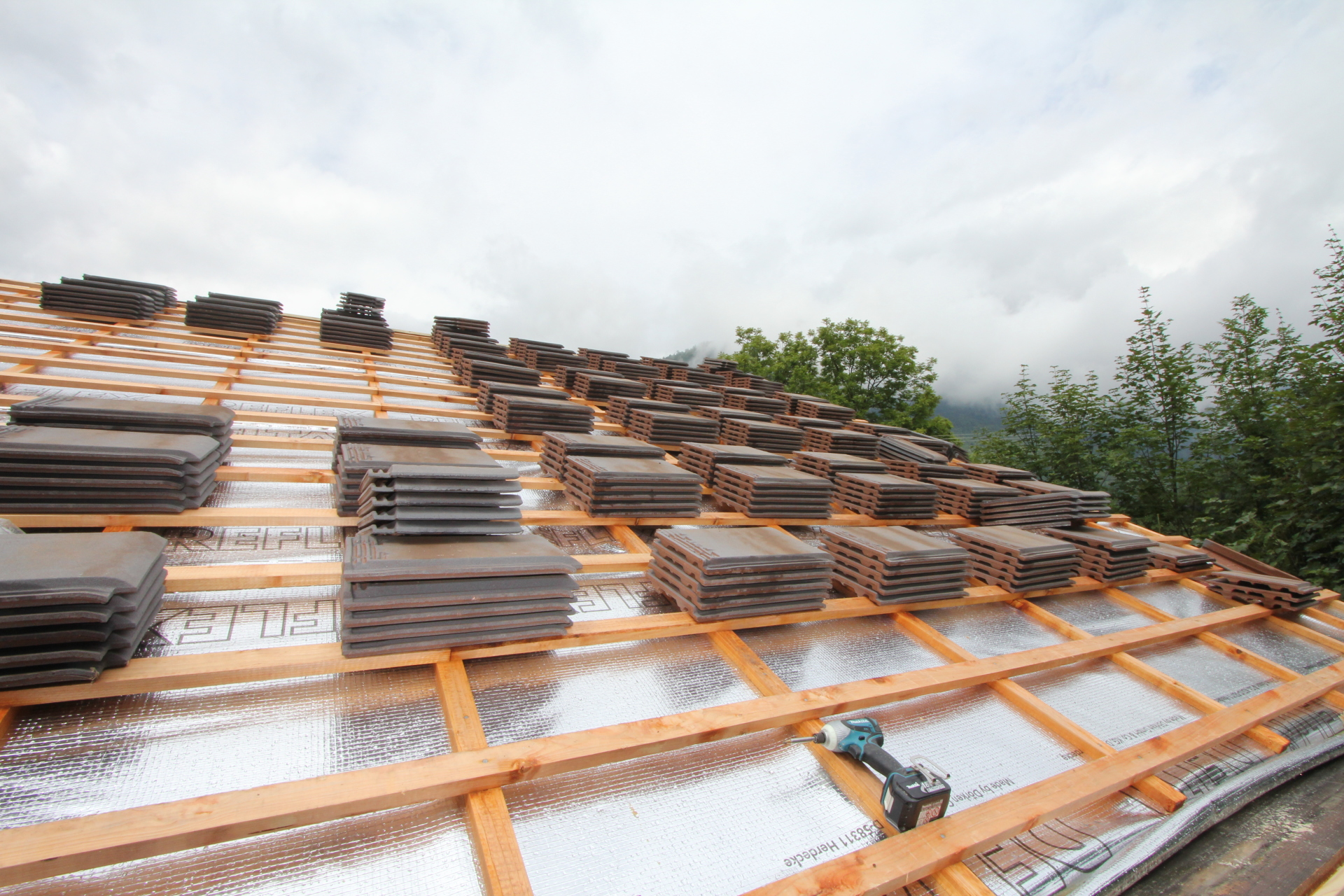 Laying a new roof | Renovation Solutions