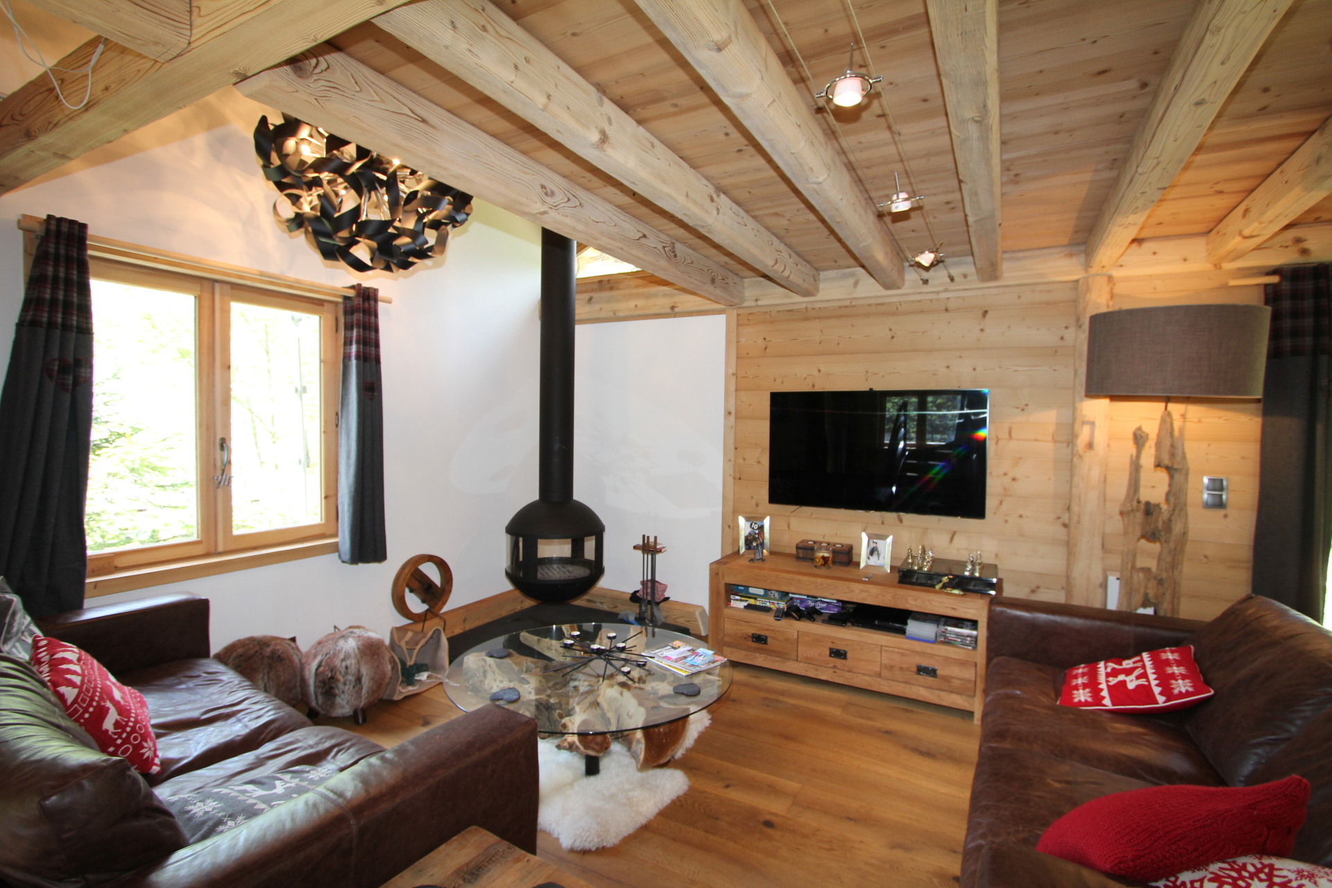 Stunning new living area, 1960s chalet renovated | Renovation Solutions, near Samoens.