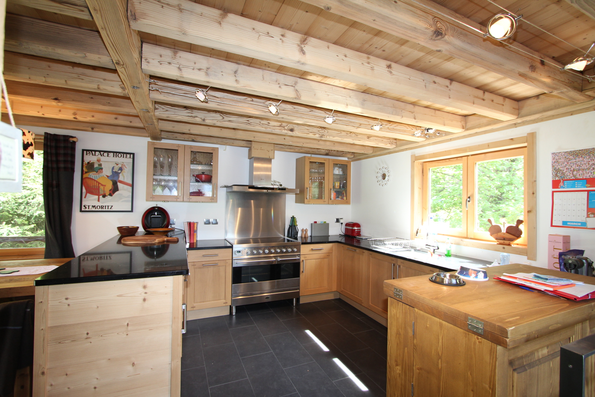 Stylish chalet open plan kitchen | Renovation Solutions