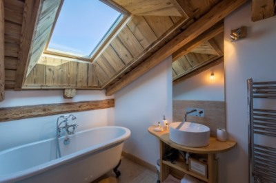 Bathroom in the eves | Renovation Solutions, Samoens