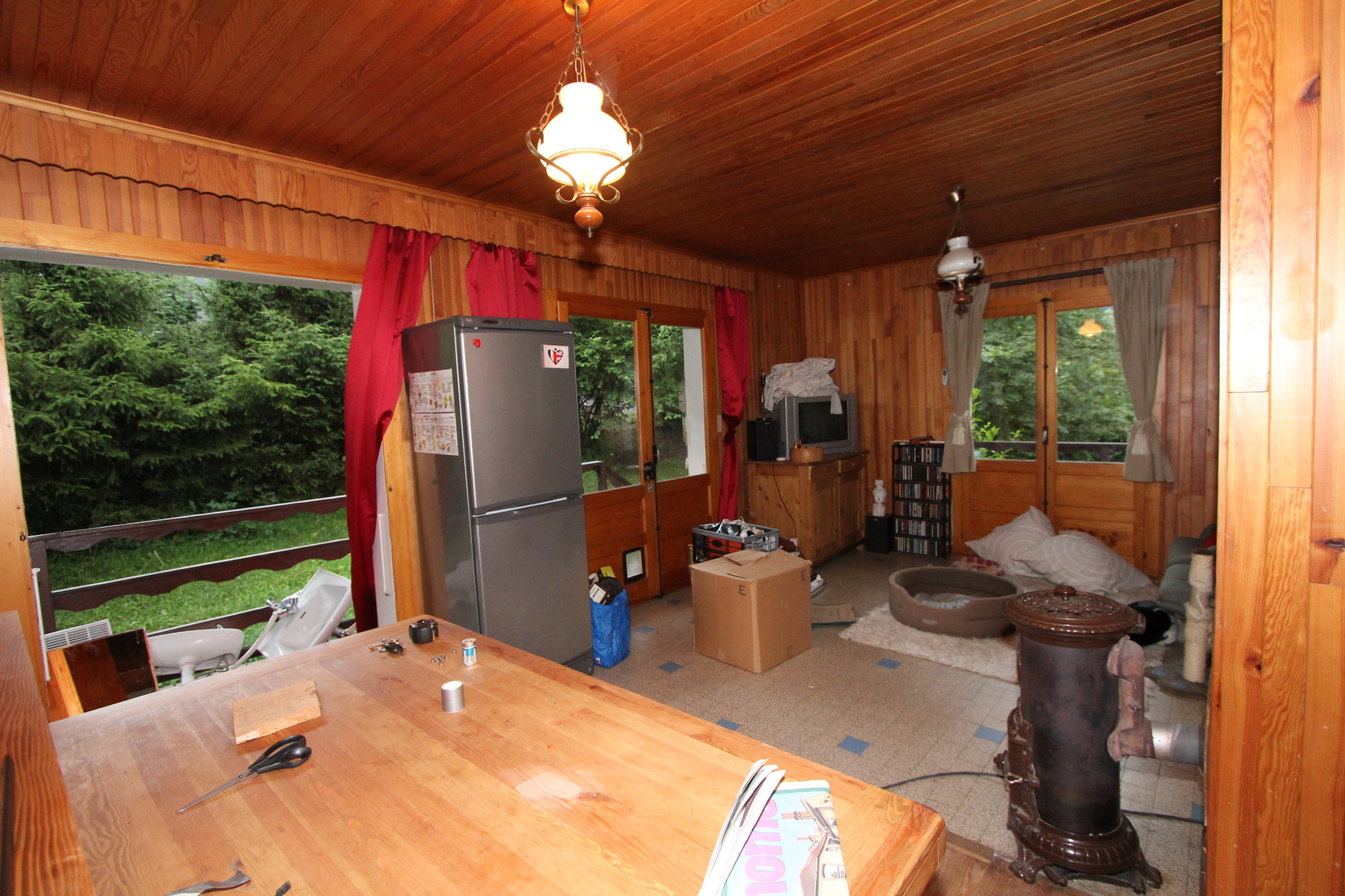 Dated 1970s chalet before renovation | Renovation Solutions
