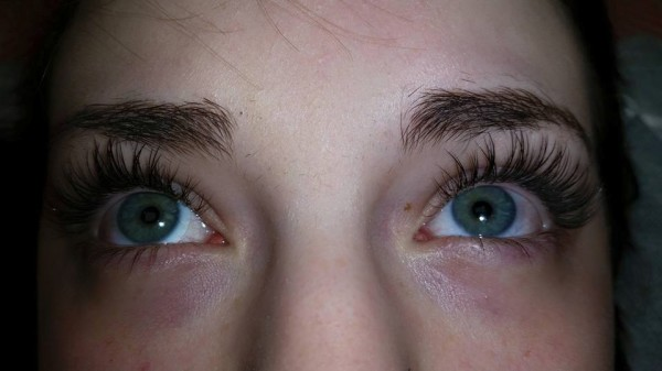 Eyelash extensions and eyebrow coloring in Springfield, MO