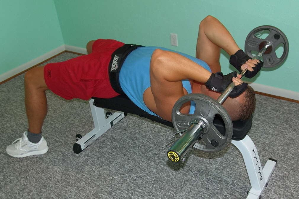 Barbell Lying Triceps Extension