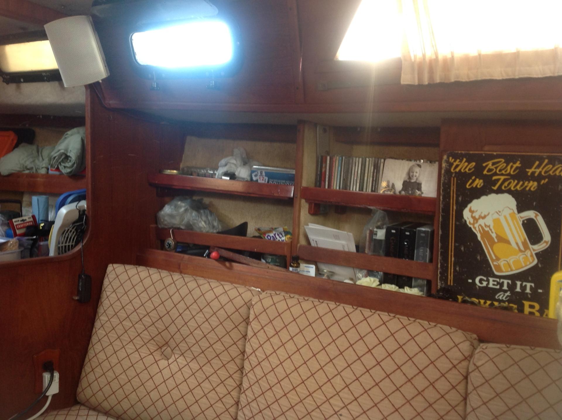 Salon-Starboard Side