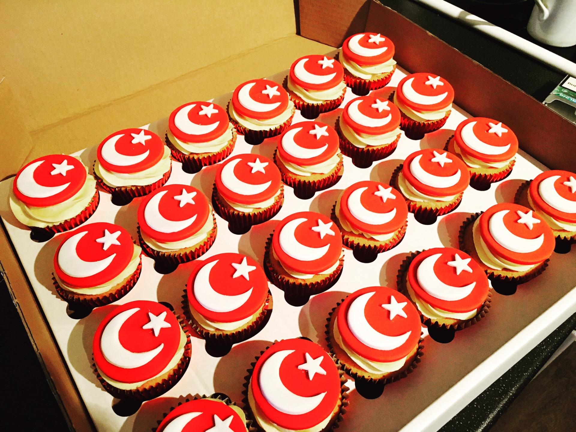Turkish flag cupcakes