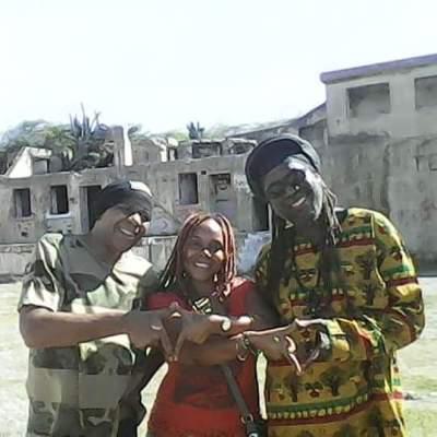 From W.African Artist Kiya & Jah Macka B Jamaican living in London... Music Video Shoot!