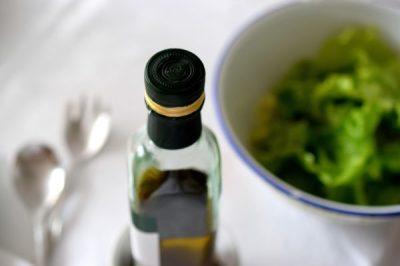 House (balsamic vinaigrette), Ranch, Blue Cheese, Thousand Island, Blue Cheese, ALL Homemade