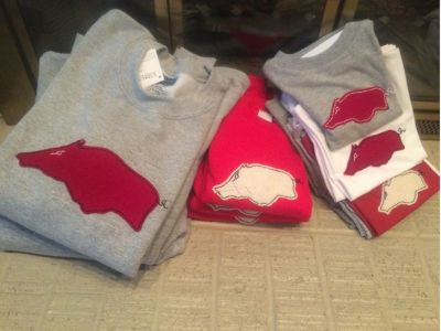 Hand applique razorback clothing