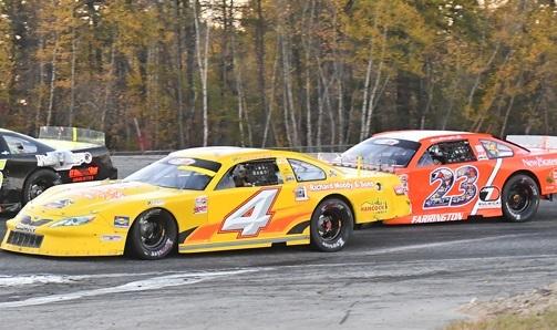 Ben Rowe's #4 leads #23 Dave Farrington.   (RichardMoodyRacing.com/Norm Marx Photo)