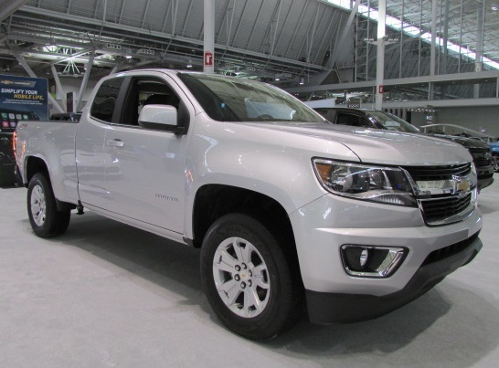 In 2015, Tom Brady gave away a Chevrolet Colorado.  There's no word what this year's truck is.