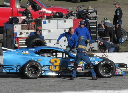'Ole Blue pits for tires late in the race at Thompson.  (Mike Twist Photo)
