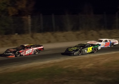 Late Models compete in the 2016 Logjohn 150 at Unity.  (Unity Raceway Photo)