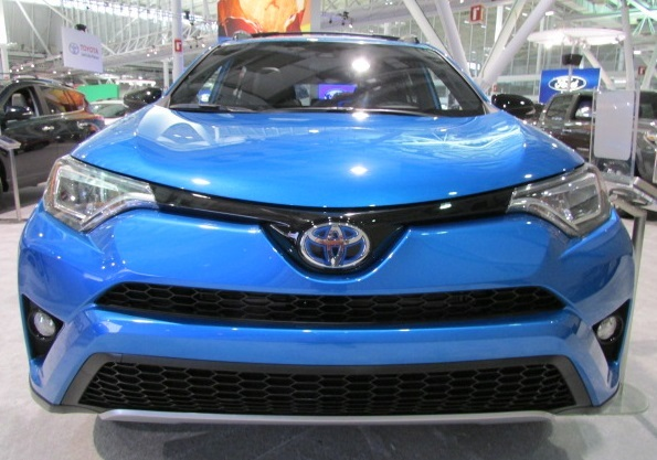 Toyota Lowers Prices on RAV4