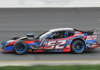 Woody Pitkat's #52 Modified.  (Mike Twist Photo)