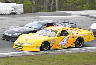 Ben Rowe's #4 Super Late Model  (PASS Photo)