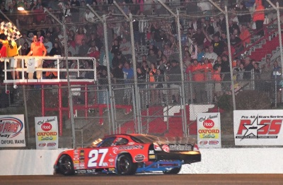Wayne Helliwell, Jr. wins the 2016 Oxford 250.  (PASS Photo)