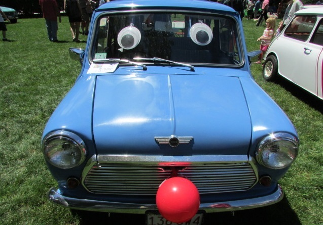 A smiling Mini Cooper.  (Mike Twist Photo)