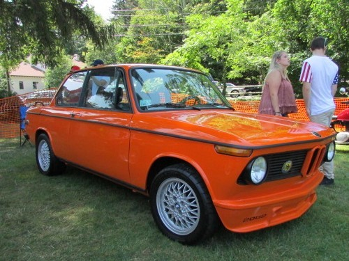 This BMW 2002 saw some time on the lawn at Tutto Italiano 2017.  (MIke Twist Photo)