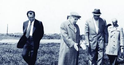 TEORIE SOC! Iliescu l-a ucis pe Ceausescu la ordinul lui Gorbaciov. Executia a fost trucata