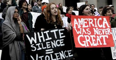 """Cine sunt """"tinerii"""" care protesteaza impotriva lui Trump; Soros, implicat"""