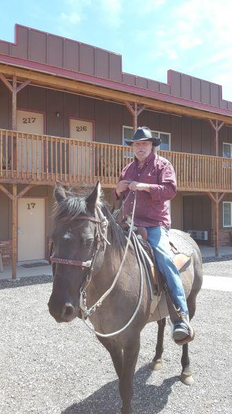 Doug Hunter Cowboy Entertainer