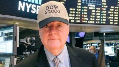 """alt=""""dow jones over 20,000"""""""