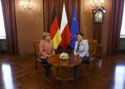 """alt=""""Merkel & Szydlo"""""""